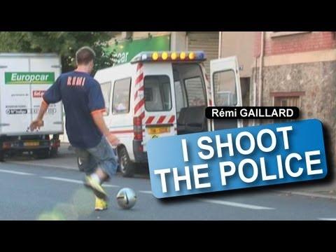 【海外動画】警察にシュートして逃げるおっさんwww【レミ・ガイヤール】